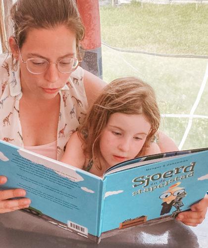 samen Sjoerd en de Stapelstad lezen